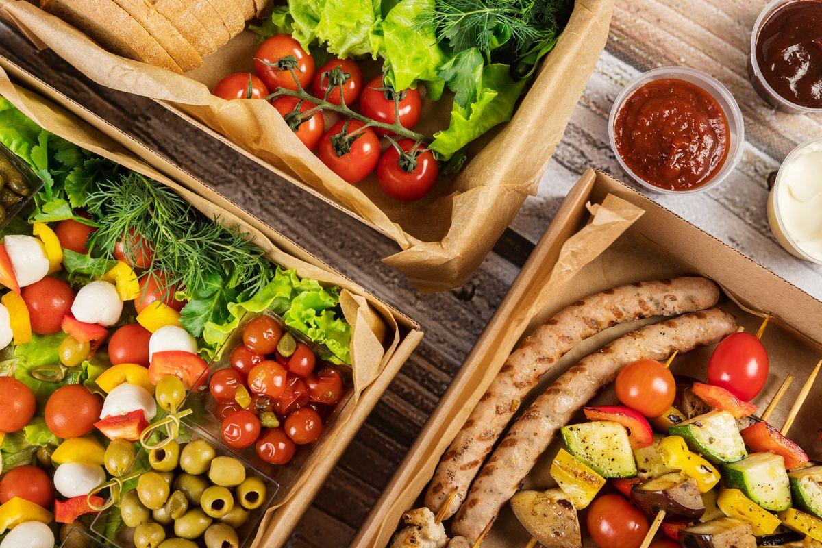 Универсальная коробка с едой