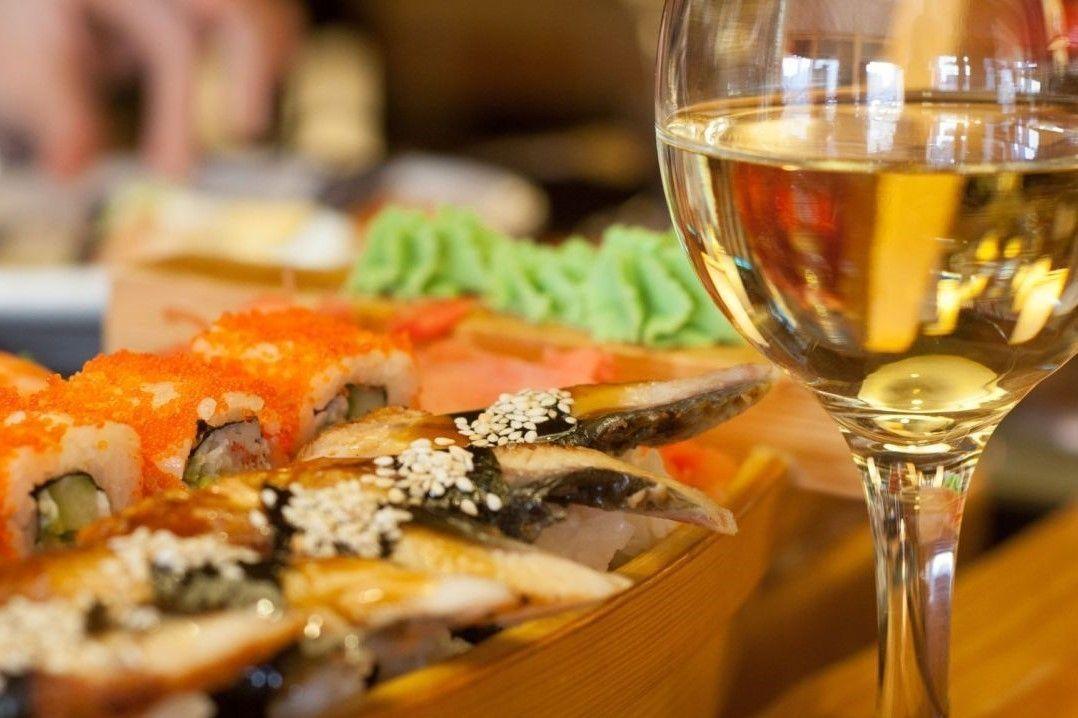 Вино и суши